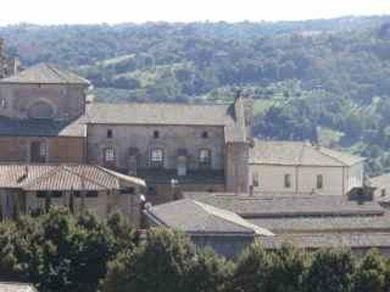 Torre del Moro : Towards Piazza del Popolo