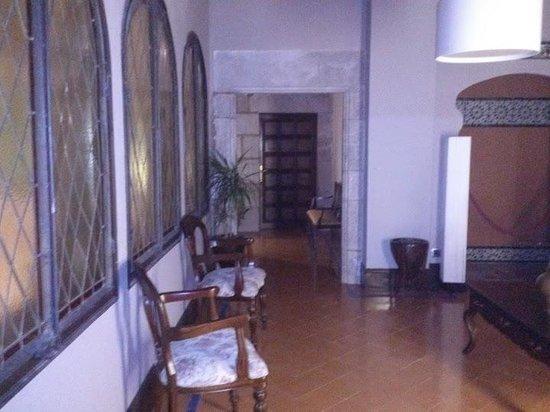 RV Hotel Palau Lo Mirador: Descansillo