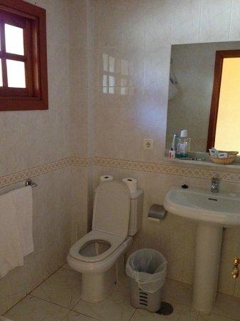Suite Hotel Elba Castillo San Jorge & Antigua : bathroom