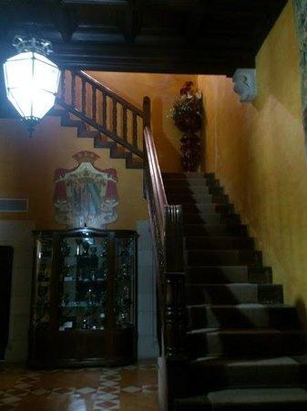 RV Hotel Palau Lo Mirador: Escaleras 2