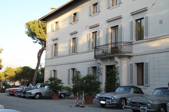 Hotel Garden : bezoek van een autoclub