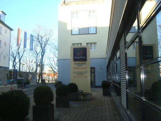 Novotel München City: ingresso hotel