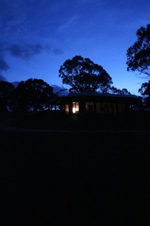 Snowy Wilderness : Our lovely accomodation at dusk. So inviting!