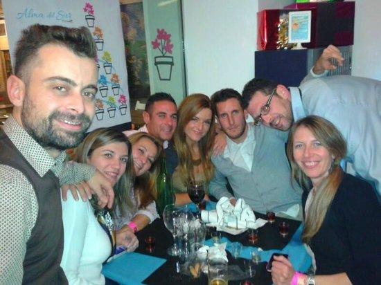 Enredo Bar: Haciendo amigos