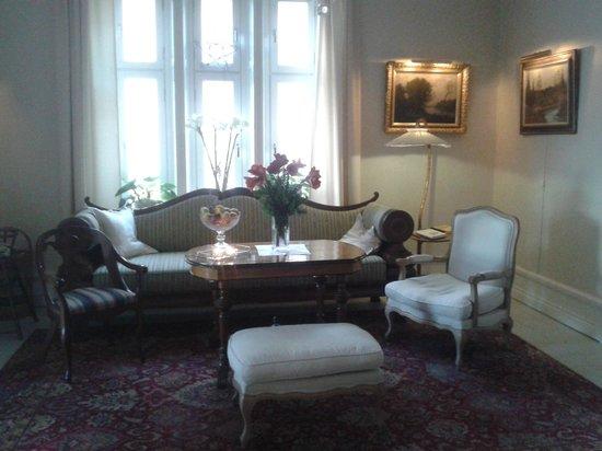 Strand Hotell: living - room