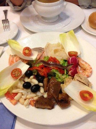 Acuamar: их фирменный салат-вкусный!