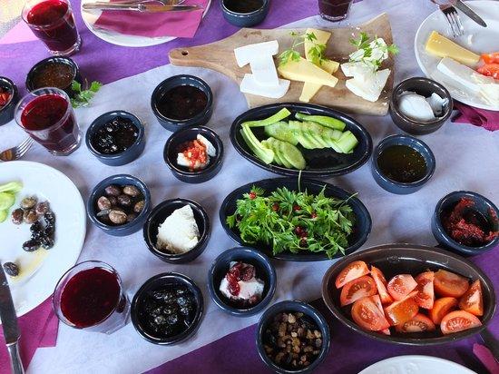 Gullu Konaklari: Kahvaltı