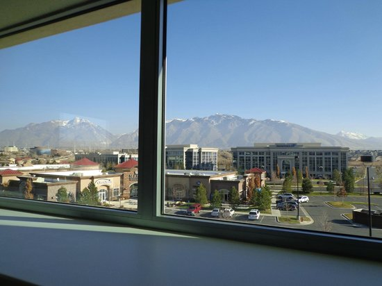 Home2 Suites by Hilton Salt Lake City/South Jordan, UT: Great views in 201,301, and 401
