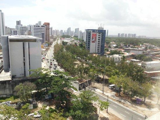 Hotel ibis Recife Boa Viagem: Vista da Avenida Domingos Ferreira