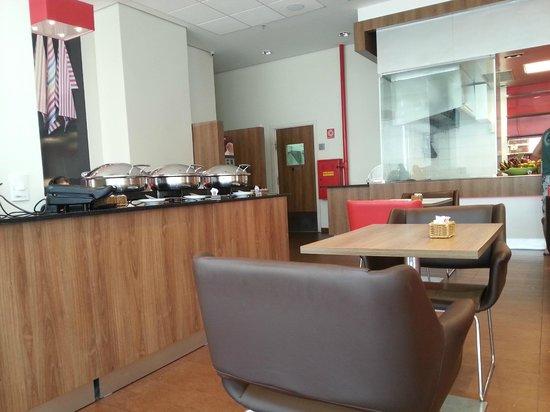 Hotel ibis Recife Boa Viagem: Café da manhã