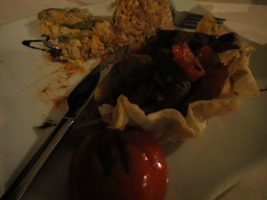 Kelebek Special Cave Hotel: Dinner - lamb parcel