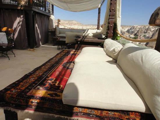 Kelebek Special Cave Hotel: Covered terrace overlooking Goreme