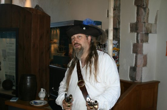 Tolhouse Museum: Pirate!!