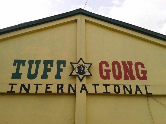 De Music Buzz-Day Tours : Tuff Gong Studios