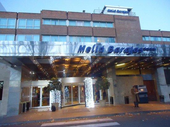 Melia Barajas: fachada