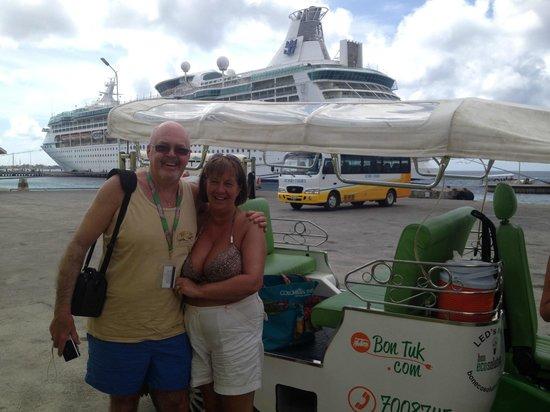 Bon Tuk Eco Tours Bonaire: On the quayside in Kralendijk