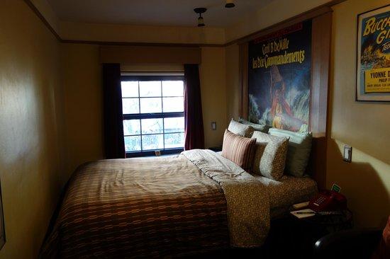 Chelsea Pines Inn: Room
