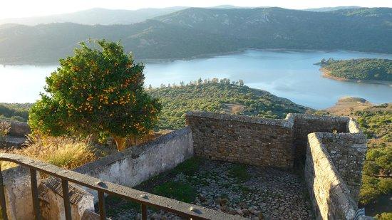 Complejo Turistico Castillo Castellar: es la vista desde el salón de la 106