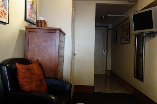 Chelsea Pines Inn: Room2