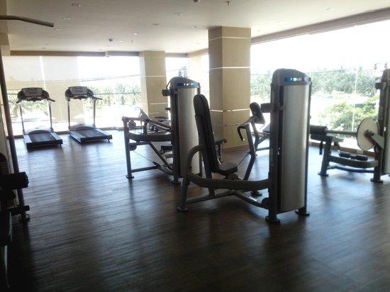 The ASHLEE Plaza Patong Hotel & Spa: Тренажерный зал отеля