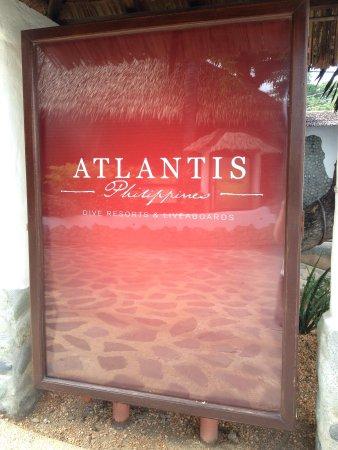 Atlantis Dive Resort Puerto Galera : Entrance sign