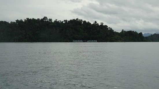 Khao Sok Smiley Bungalow: Lake House - Day view