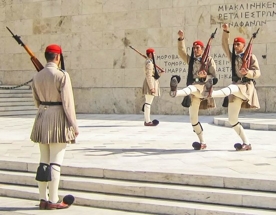 Private Greece Tours : Changing of the Guard at Tomb of the Unknown Soldier