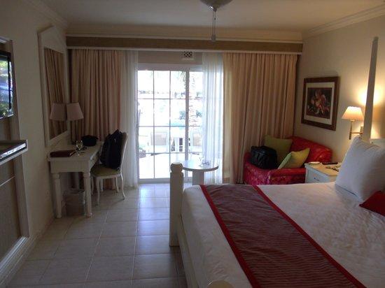 Dreams Punta Cana Resort & Spa: Inside the swim up suite