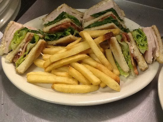 Me and D's Diner : Turkey Club
