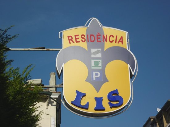 Residencia LIS B&B and Parking: A home away from home