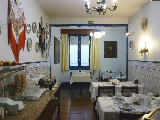Residencia LIS B&B and Parking: The breakfast room