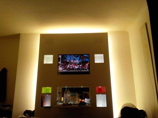Hotel Gabriel Paris: Tv lcd