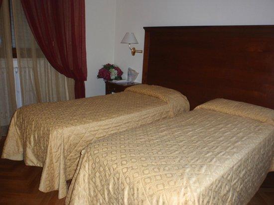 Hotel Alessandro della Spina: Dormitorio de 2 camas