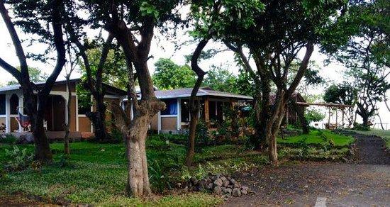 Xalli Ometepe Beach Hotel: Unassuming cabins, but elegant interiors