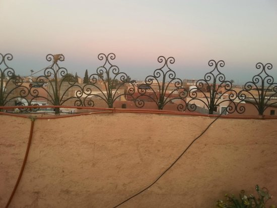 Riad Chennaoui Marrakech: View from roof terrace