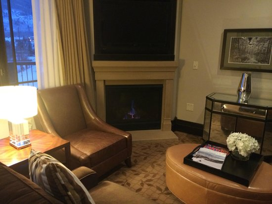 Waldorf Astoria Park City : Two fireplaces in suite with Viking appliances and top accessories