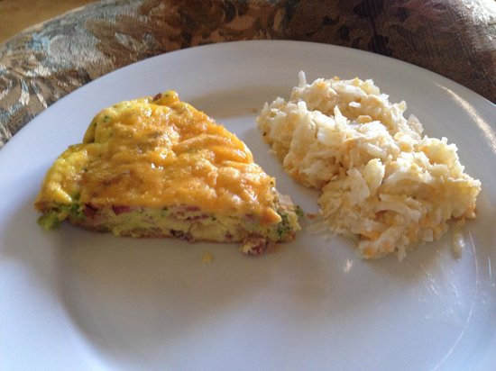 Arrowhead Manor: Our $16 reheated breakfast