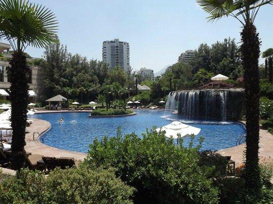 Hotel Santiago: Área da piscina