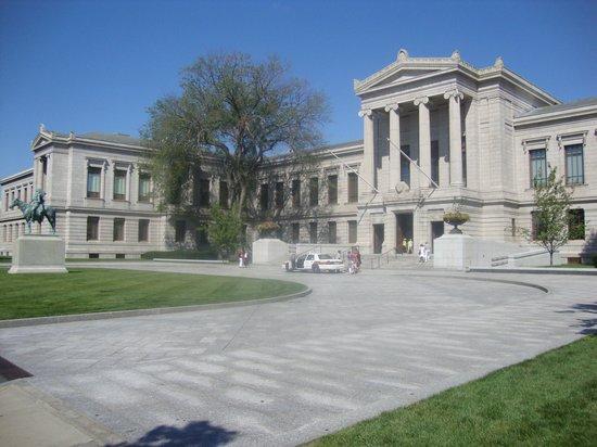 Museum of Fine Arts : Fachada do museu.