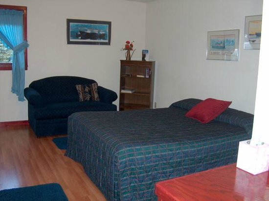 Northern Nights Bed & Breakfast: Aialik Bedroom