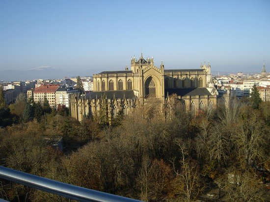 NH Canciller Ayala Vitoria : Catedral María de la Inmaculada