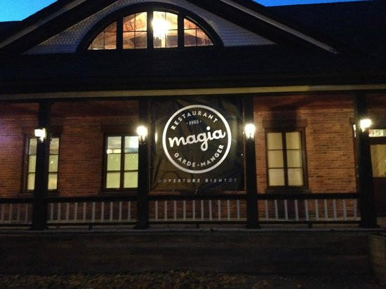 Magia longueuil restaurant reviews phone number for Restaurant longueau