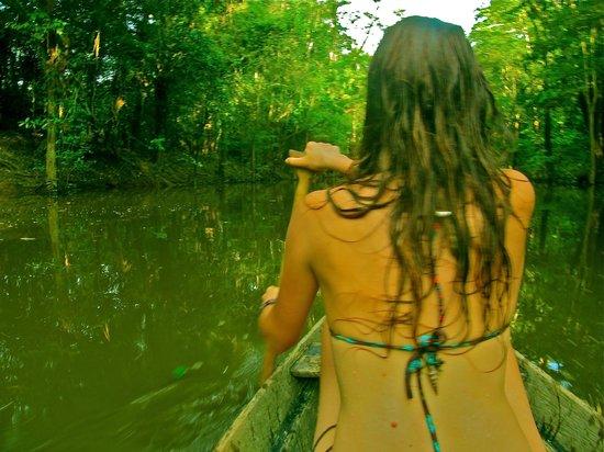 Omshanty : Remando en el rio