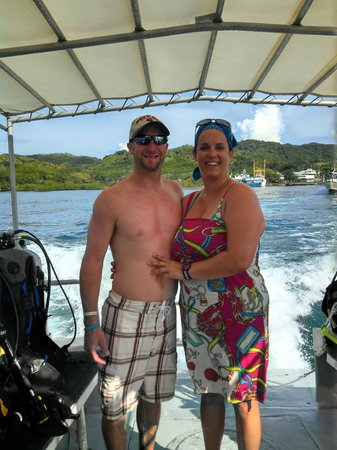 Barefoot Divers Lodge & Dive Center: headed out for our last dive