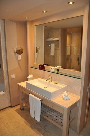 Daios Cove Luxury Resort & Villas: Daios Cove - la salle de bains