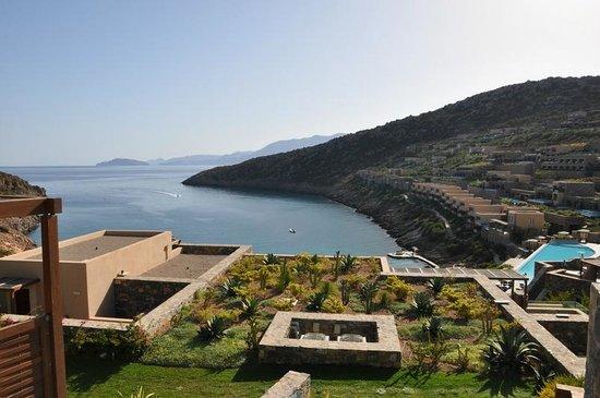 Daios Cove Luxury Resort & Villas: Daios Cove - vue mer depuis la terrasse