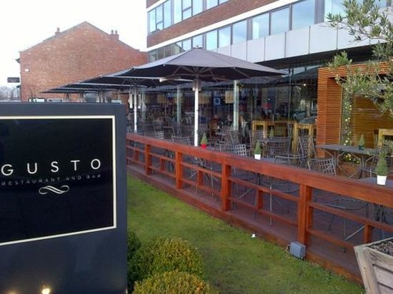 Gusto Restaurant & Bar Cheadle Hulme: Gusto from outside