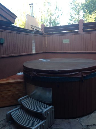 Nakoma Resort : Hot tub for a cold night