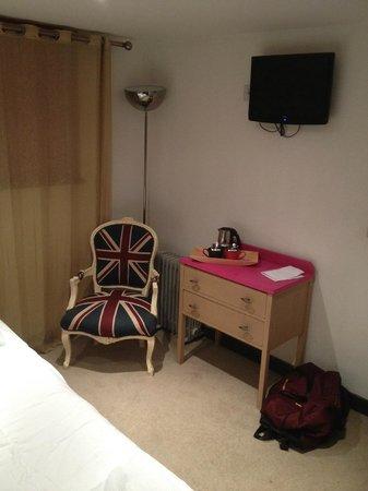 The Wiremill Lakeside Pub & Inn: Hotel Room