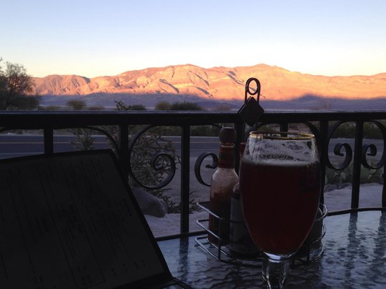 Panamint Springs Resort: Umm, beer and Hunter Mtn